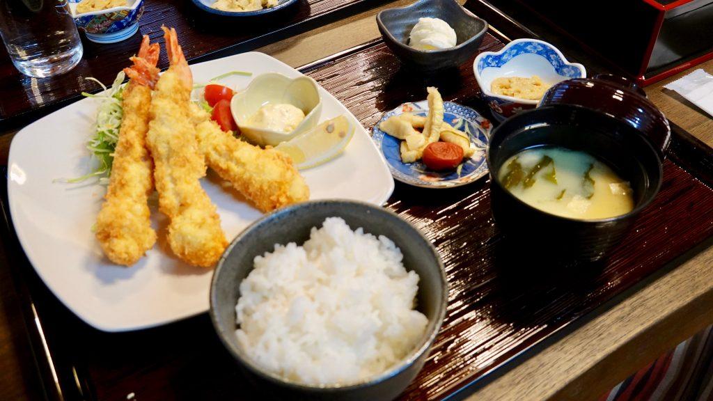 エビフライ定食(エビ三尾)